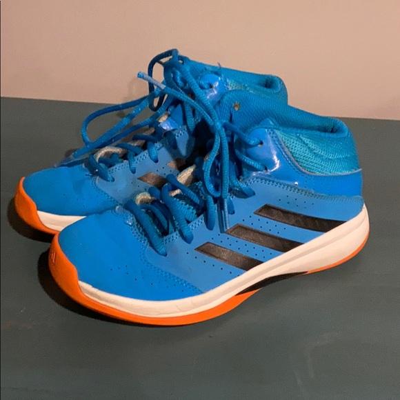adidas Shoes | Boys Size 2 Basketball